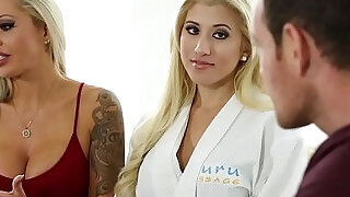 11:00: Stepmom seduce with erotic sex massage