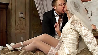 Young Goddess Just Married - 33:00