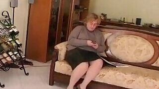 25:00: Fat And Horny Granny Wanting A Dick