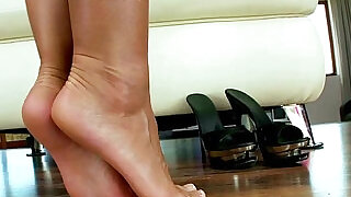 9:00: Foot fetish masturbating big titted babe love seat