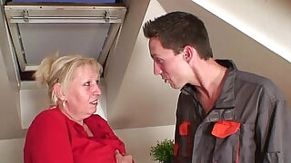 6:00: Nasty granny spreads legs for two cocks