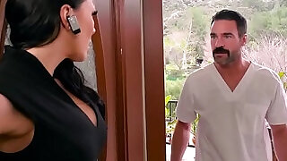 Dirty Masseur Rubbing Cock In Her Poon scene starring Rachel Starr and Charles Dera - 8:00