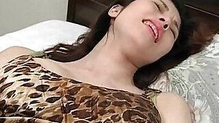 5:00: Cute babe using vibrator for the first time and loving it