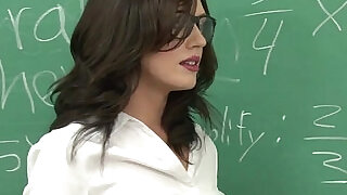 5:00: Class teacher Sheena gets load from students