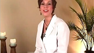 Self Brazilian Vaginal Waxing for a Bald Pussy instructional educational - 14:00