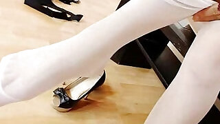 5:00: Petite teen hiding nylon tights in her pussy