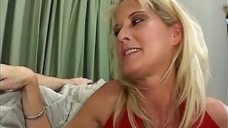 Mature Mom Sex Comfort For Kicked Out Boy Full porn Movie - 32:00