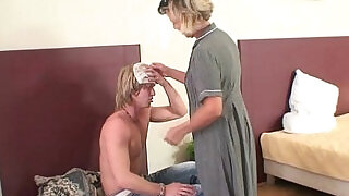 6:00: Morning sex with hot mature woman