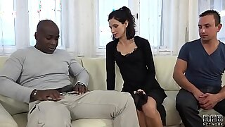 6:06: Sexy wife ebony would pussy licking